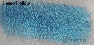 Fyrinnae Sleepy Hollow Pressed Shadow Swatch
