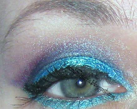 Bright Aqua Look