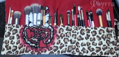 Enkore Makeup Brush Roll