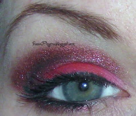 Red Gothique Look