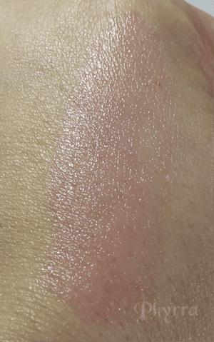 It Cosmetics Vitality Flush 4-in-1 Reviver Lip & Cheek Stain Stick Je Ne Sais Quoi Swatch