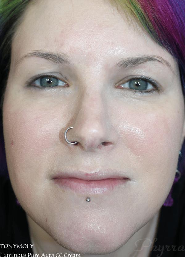 TONYMOLY Luminous Pure Aura CC Cream - fully on my face
