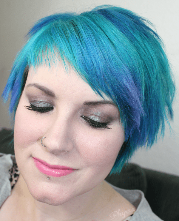 Wearing Performance Colors Snowie Lite n' Smooth Foundation and Oilslick Shimmer Stick