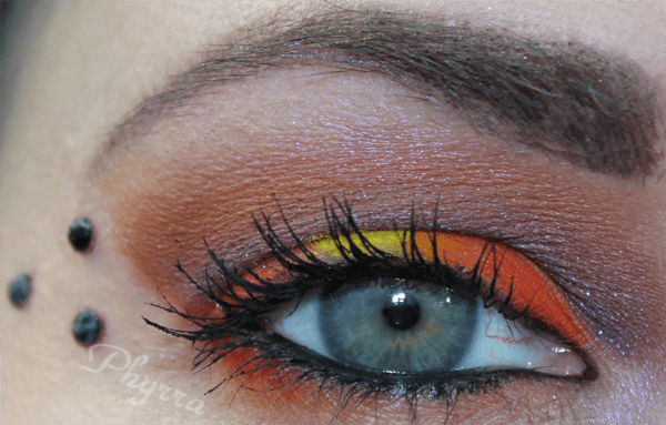 Wearing Fire in the crease. See the tutorial.