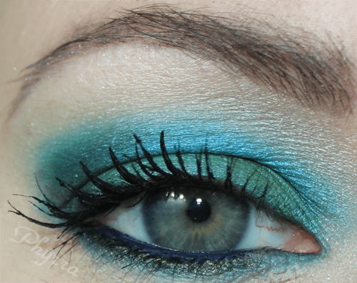 You can see the fine lines under my eyes. See the tutorial.