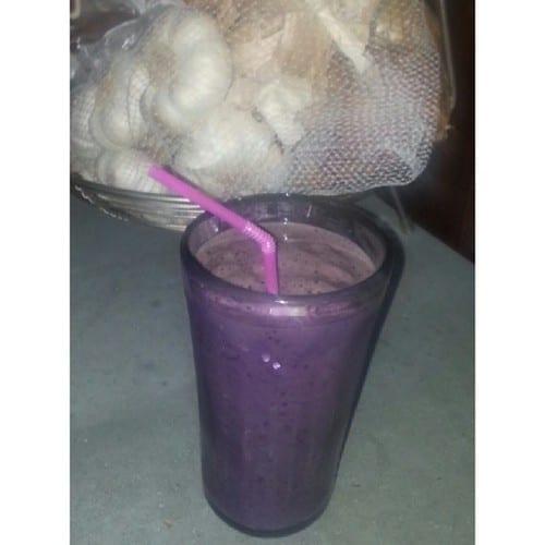 Pineapple Blueberry Kale Smoothie