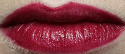 Wearing Stila Long Wear Lip Color in Daring