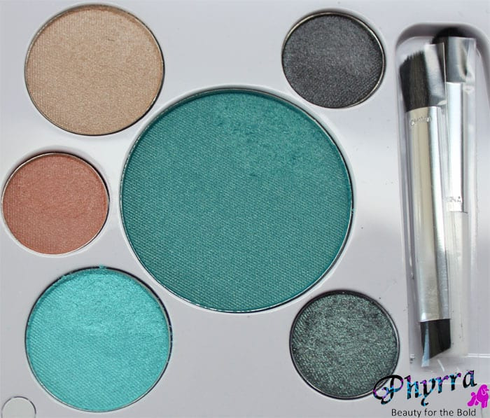 em Michelle Phan Shade Play Montego Bay Teals Palette Eyeshadows