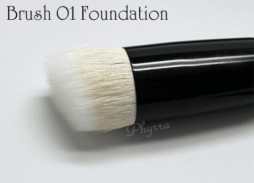 Wayne Goss Brush 01 Foundation Brush Review