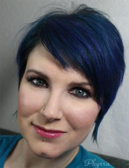 Wearing Inglot 204 Fusion Blush, highlighter and 42 Illuminizing Powder