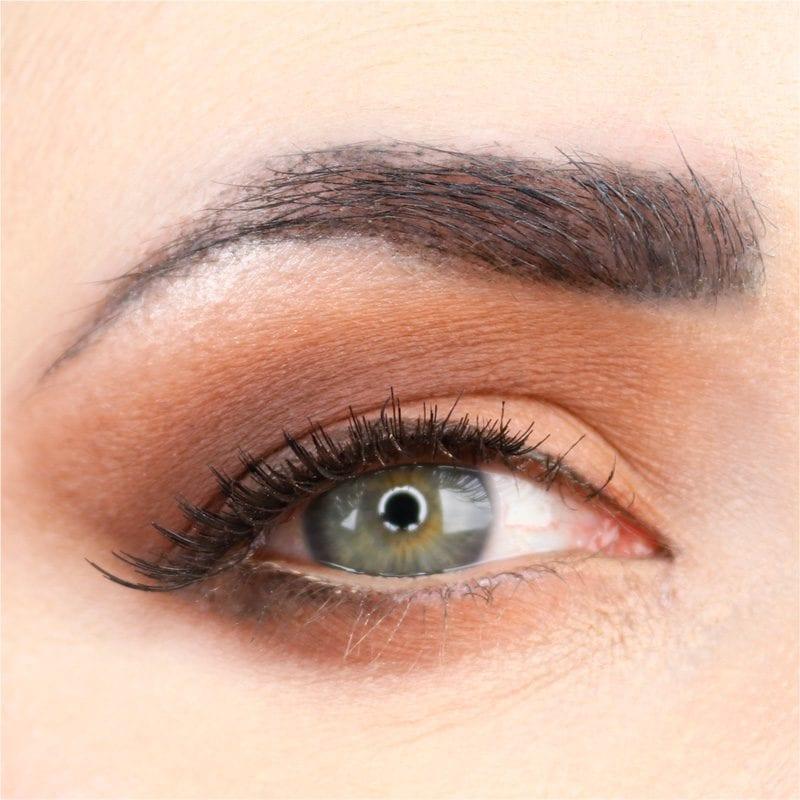 Best Ways to Apply Loose Eyeshadow