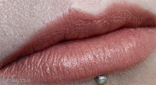 Hourglass Femme Nude Lip Stylo 5 Golden Peach Swatch Review