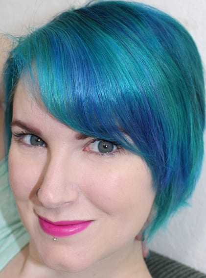 July Bright Turquoise blue Bob