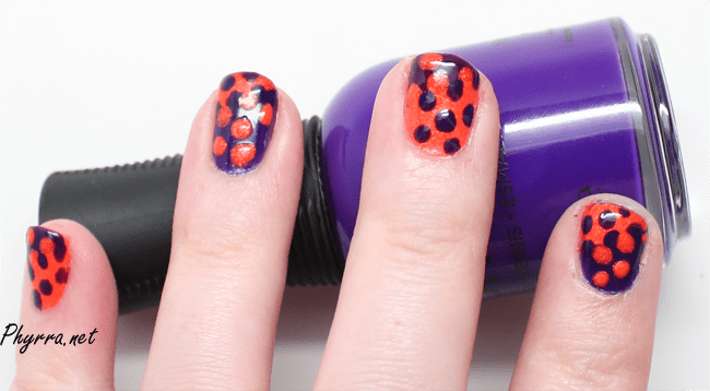 Interlocking Dots Mani