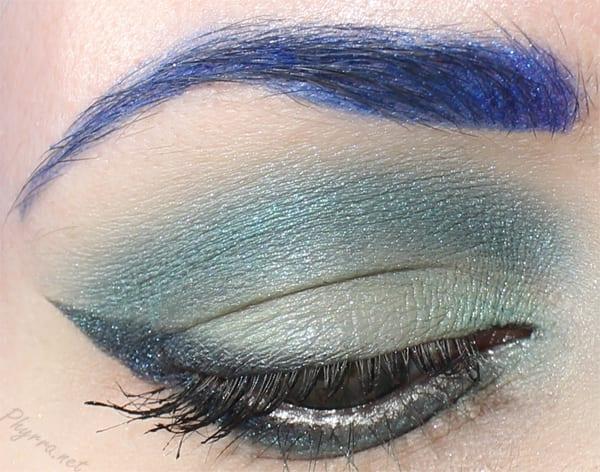 Mint, teal, dark blue eyeshadow look