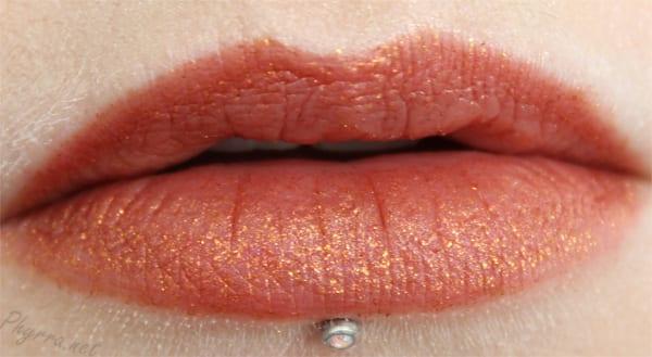 Kat Von D Studded Kiss Lipstick in Gothica