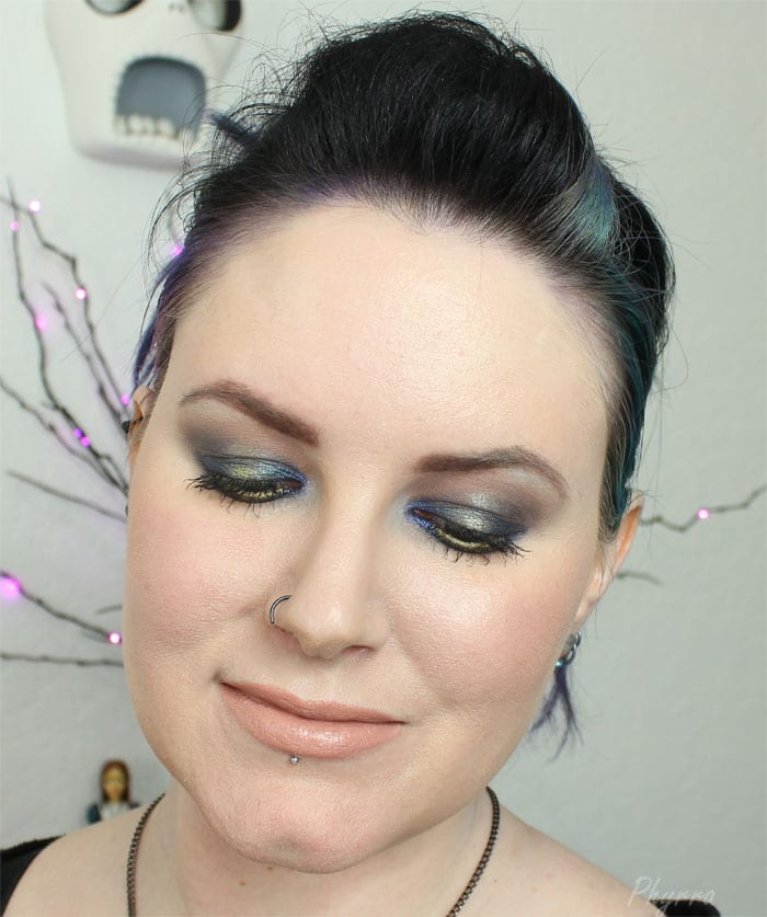 Phyrra is wearing Makeup Geek, Darling Girl and Too Faced Cosmetics - Phyrra.net