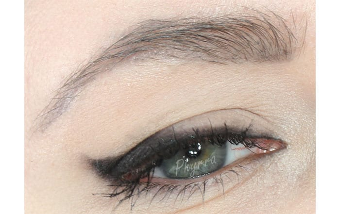 Simple Smoked Cat Eye Liner