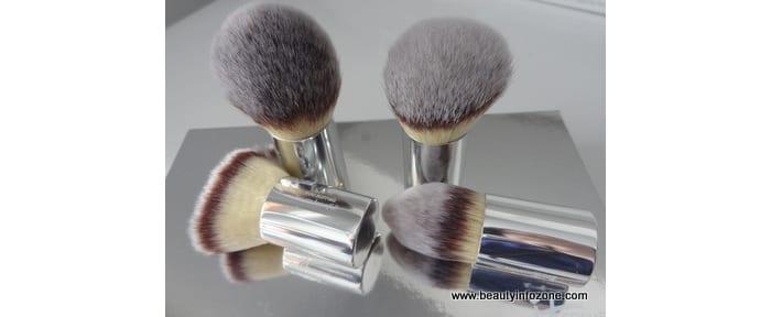 It Cosmetics Buki Brush Box Review