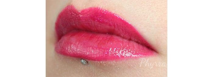 Wearing Urban Decay Revolution High-Color Lipgloss Big Bang