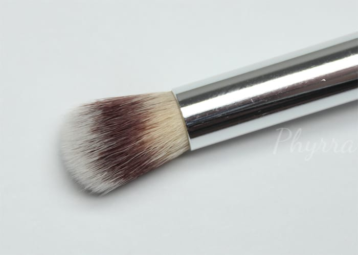 Heavenly Luxe Complexion Perfection Brush