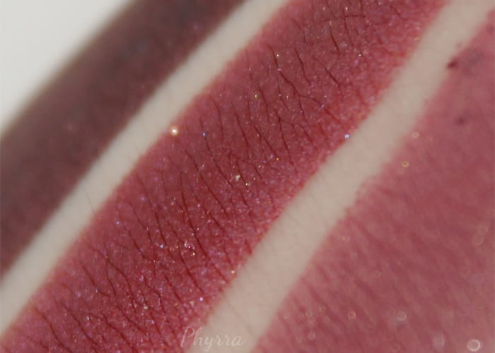 Aromaleigh Folie a Deux Swatch