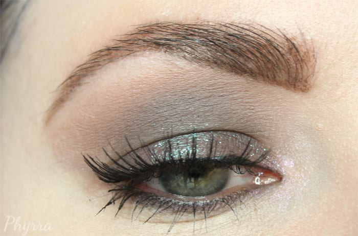 Smoky Grey Taupe Look for Hooded Eyes