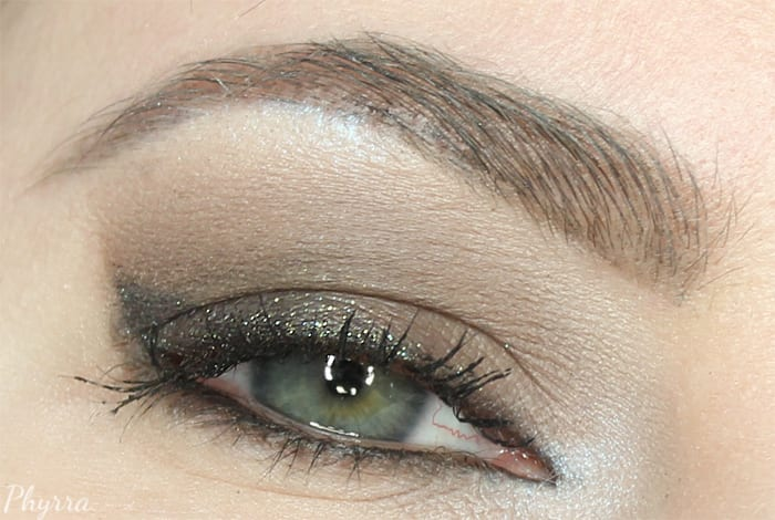 Smudge Eyeshadow Through the Roots of Your Lashes
