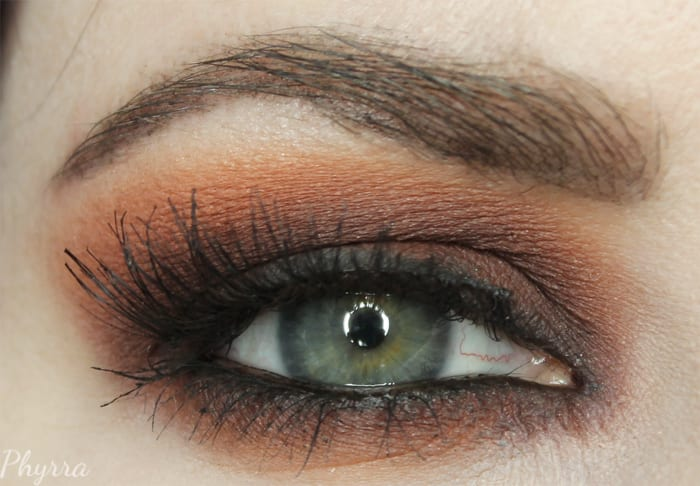 90s Inspired Grunge Makeup Tutorial on Hooded Eyes