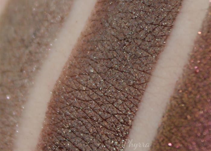 Fyrinnae Canterville Chase swatch