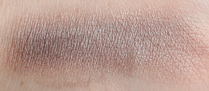Urban Decay Bust swatch