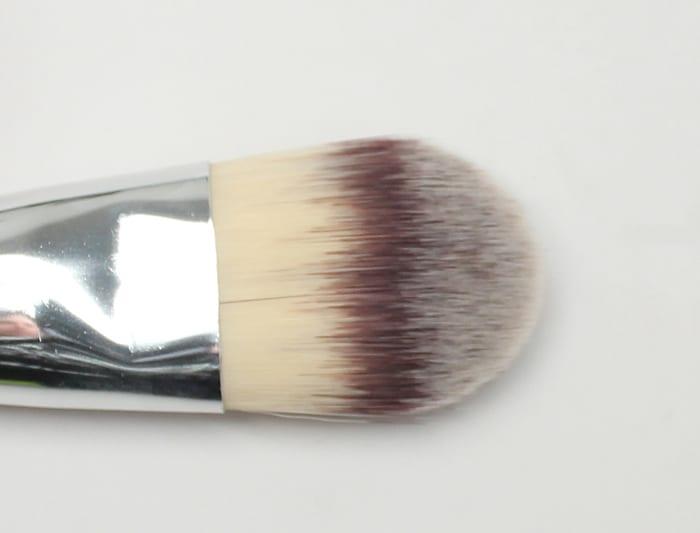 It Cosmetics Flat Foundation Brush