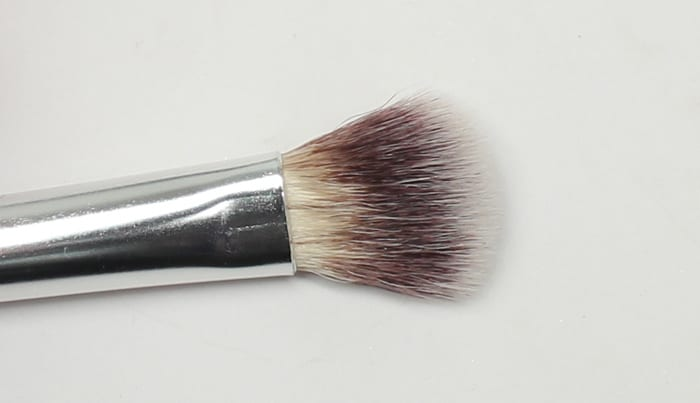 It Cosmetics No Tug Allover Eyeshadow Brush