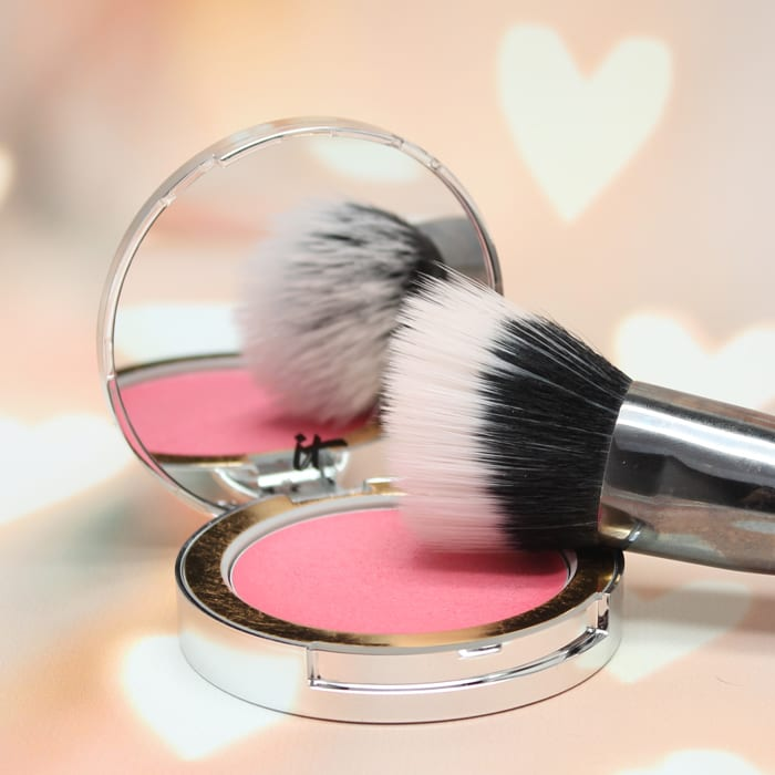 It Cosmetics Heavenly Luxe Angled Radiance Creme Brush