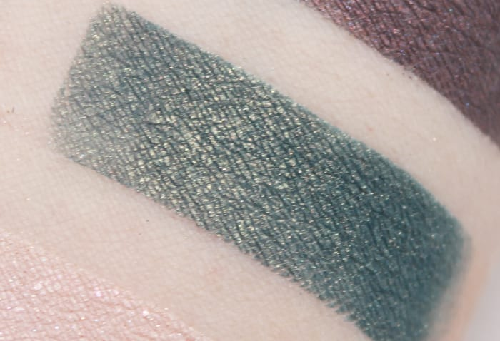 Aromaleigh Materialis swatch