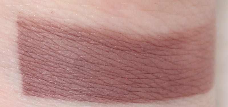 Aromaleigh Amphisbaena contour swatch