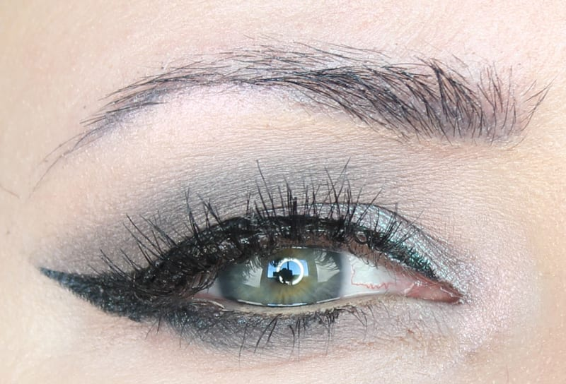 Smoky Silver Winged Liner Look