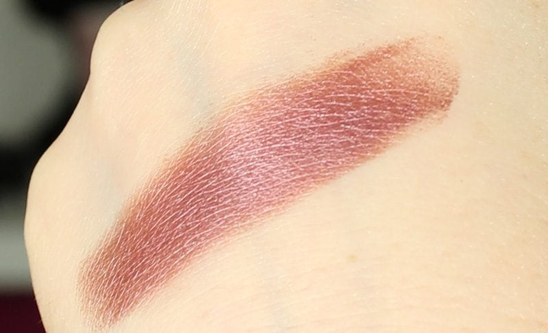 Makeup Geek Foiled Pigment in Enchanted swatch