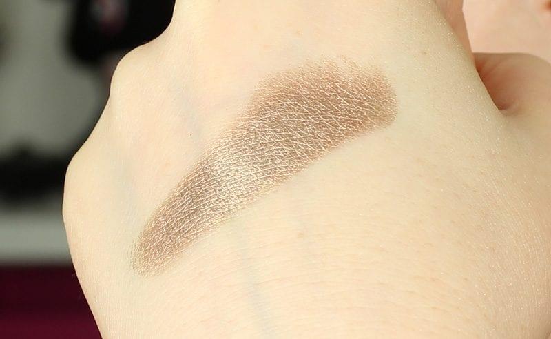 Makeup Geek Foiled Pigment in Gargoyle swatch