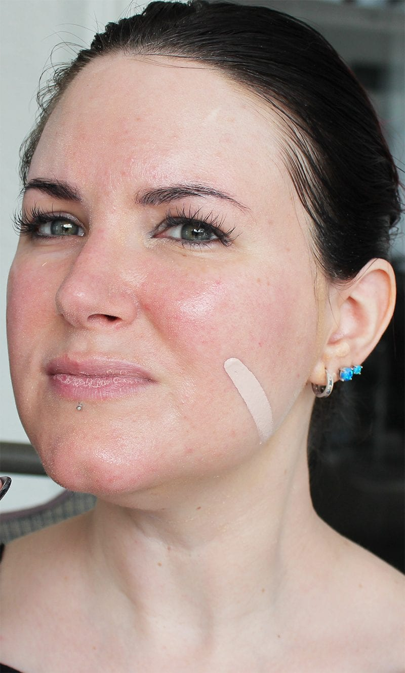 Glory Boon Foundation in Glow swatch