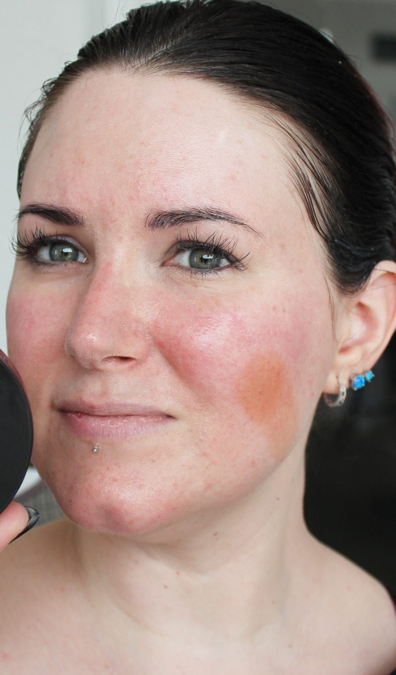 Go Natural All in One Foundation swatch