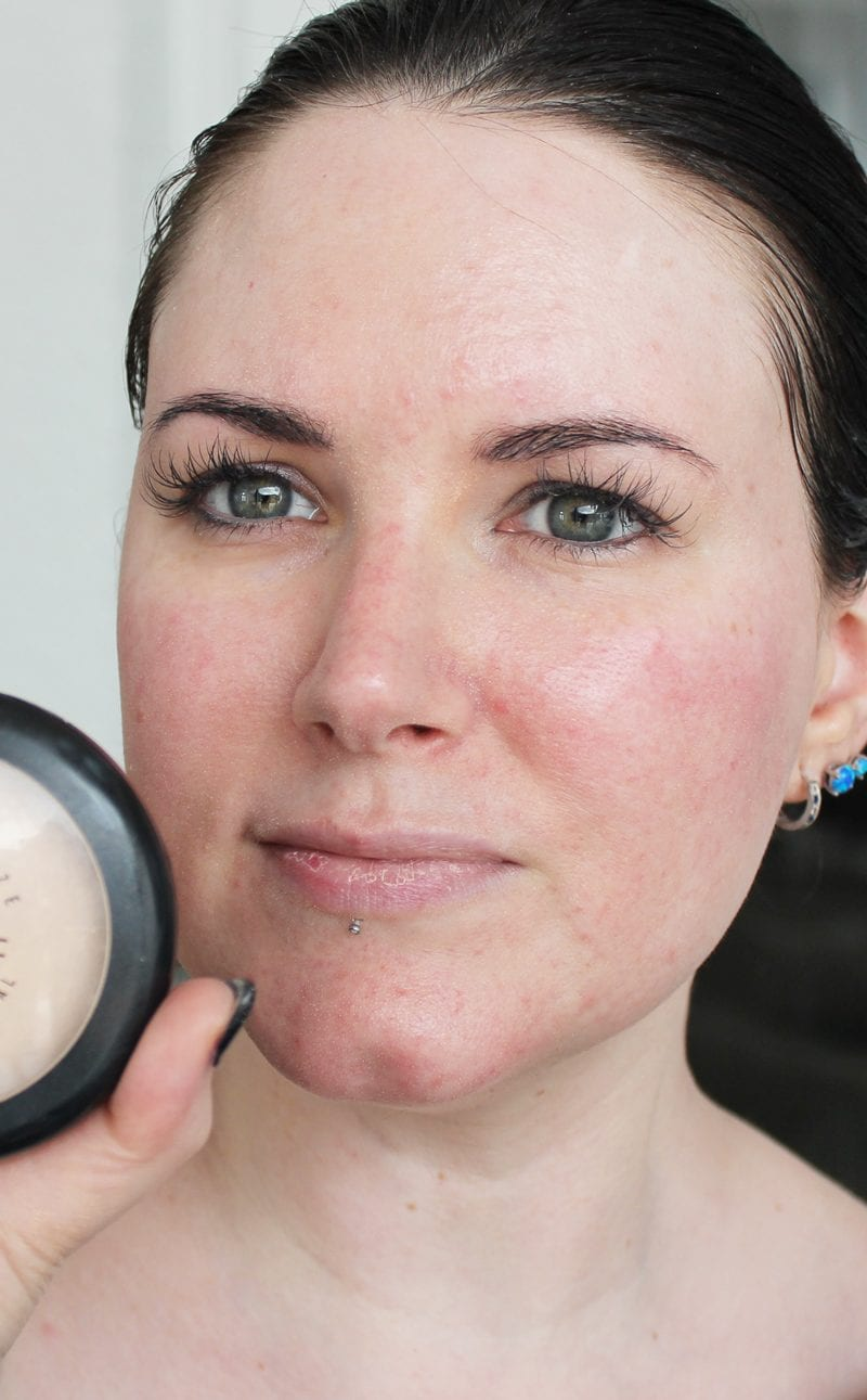 MAC Mineralize Skinfinish Natural in Light swatch