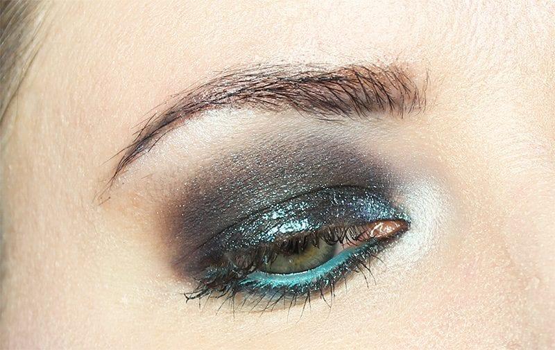 Blackened Blue Smokey Eyes Tutorial