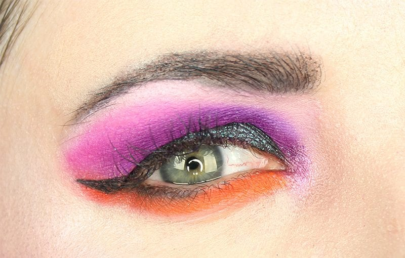 Wearing the Viseart Bright Editorial palette with the Urban Decay Moondust palette