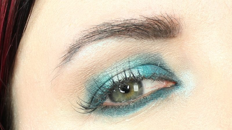 Hooded Eyes Teal Blue Halo Eye Makeup