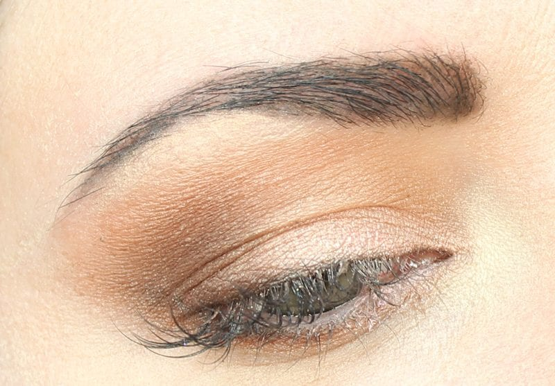 Urban Decay Basquiat Gold Griot Look for Hooded Eyes