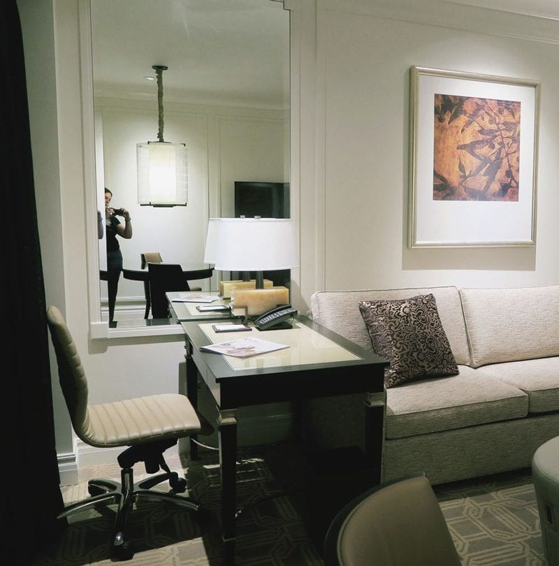 Palazzo King Suite Desk