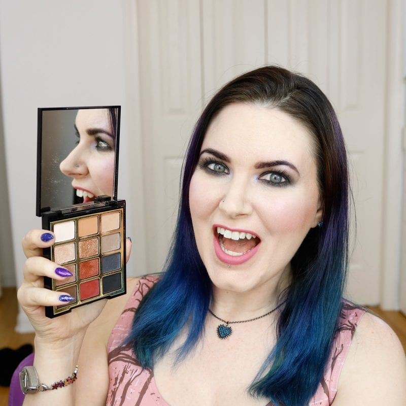 Milani Bold Obsessions Eyeshadow Palette Review, Swatches on Pale Skin, Eyeshadow Tutorial