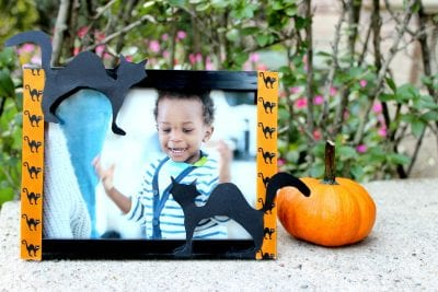 DIY Halloween Picture Frame by Rattles and Heels