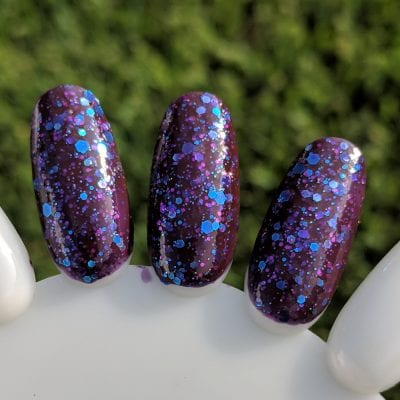 KBShimmer No Whine Left swatch, in direct sunlight